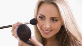 4 consejos de maquillaje ideales para lucir increíble en las videollamadas