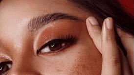 Trucos efectivos para pintar las cejas con sombra y que se vean más gruesas